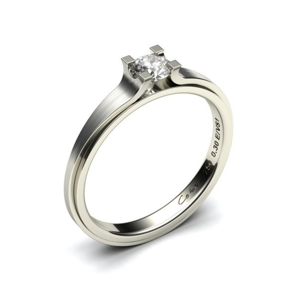 Klassieke verlovingsring met diamant