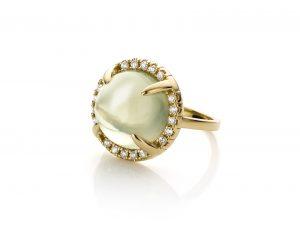 geelgouden ring met maansteen en diamanten mary-ann-moonstone cober