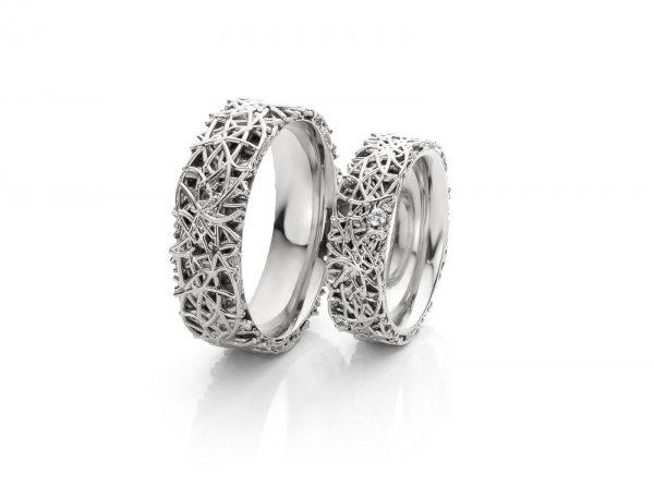 witgouden trouwringen met diamant in damesring geinspireerd door gras cober