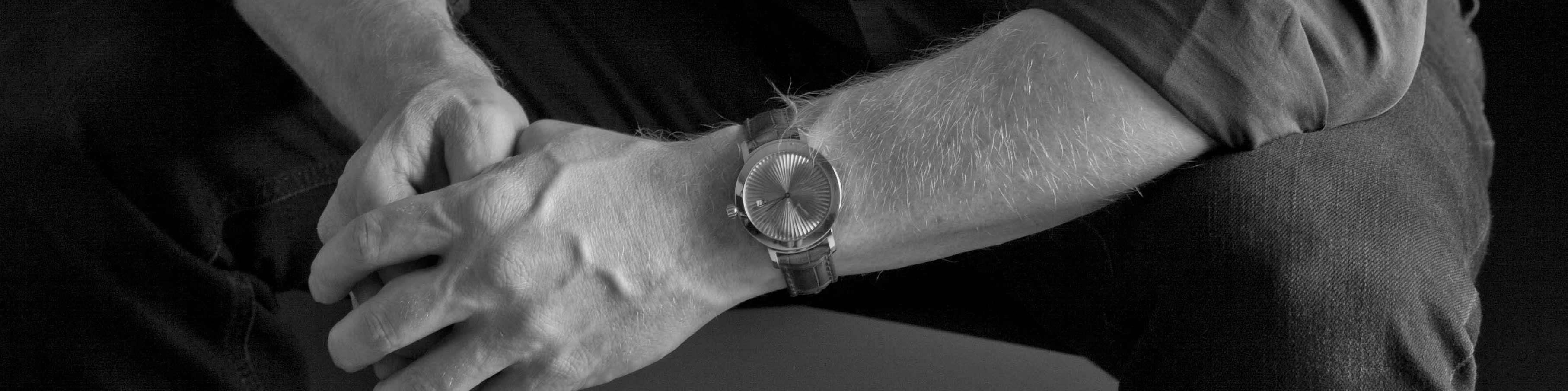 Geelgouden-cober-nr1-handgemaakt-horloge-uitgelicht