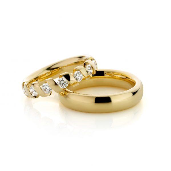 Geelgouden fantasie trouwringen