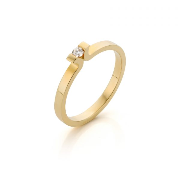 Strakke verlovingsring met diamant